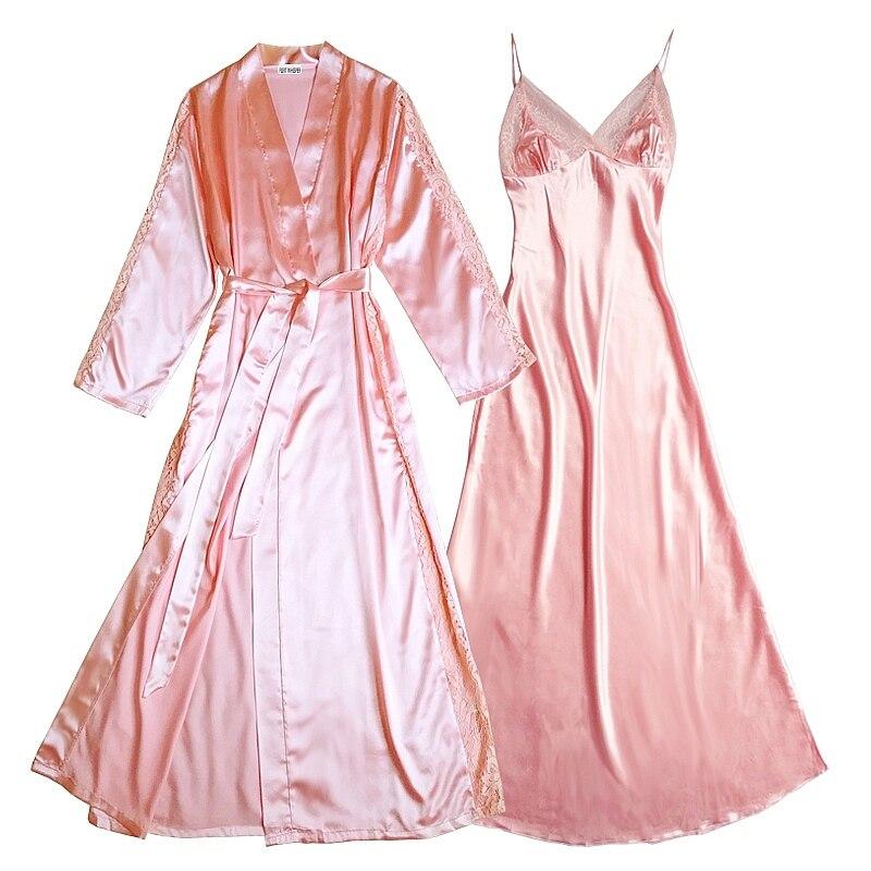 Tache d'huile sur robe en soie