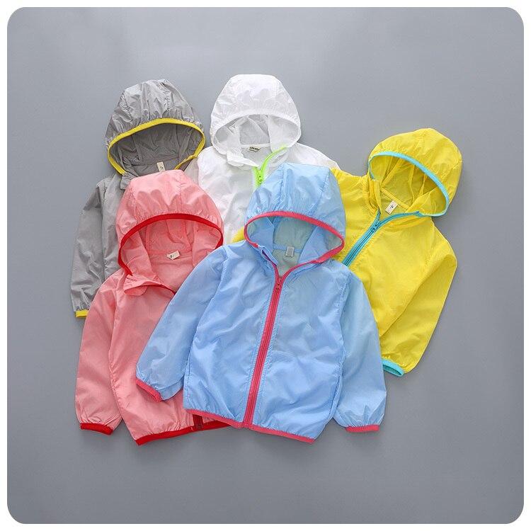 on sale 66523 9f880 2016 Printemps Usure Vêtement de Nouveau Modèle Coréen Enfants Fille Bébé  Solide Même Chapeau Lâche Servir Air Vêtement Supérieur sans doublure veste