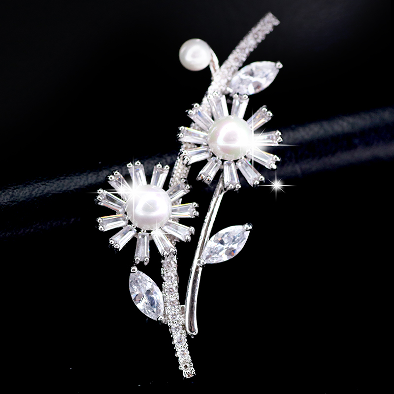 Luxury Crystal Rhinestone Sparkly Zircon Pearl Brooches Pins Wedding Bridal Brooch Accessories Jewelry Flower Scarf Lapel Pin