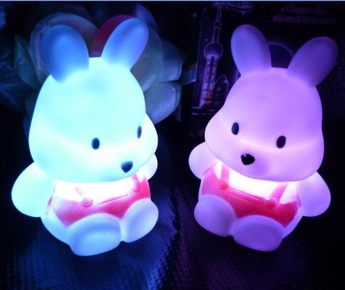 Игрушки-приколы Красочный небольшой ночник кролика репа кролик семь огни энергосберегающие светоизлучающих Игрушечные лошадки