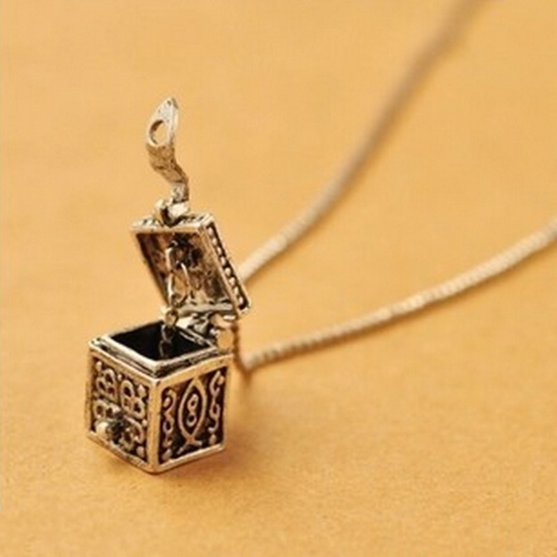 Women Christmas Gift Jewelry Retro Vintage Silver Box Pendant Necklace Women Charms  Newest