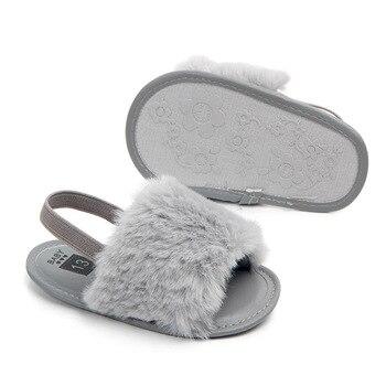 Sepatu Sandal Klasik dengan Bulu 6