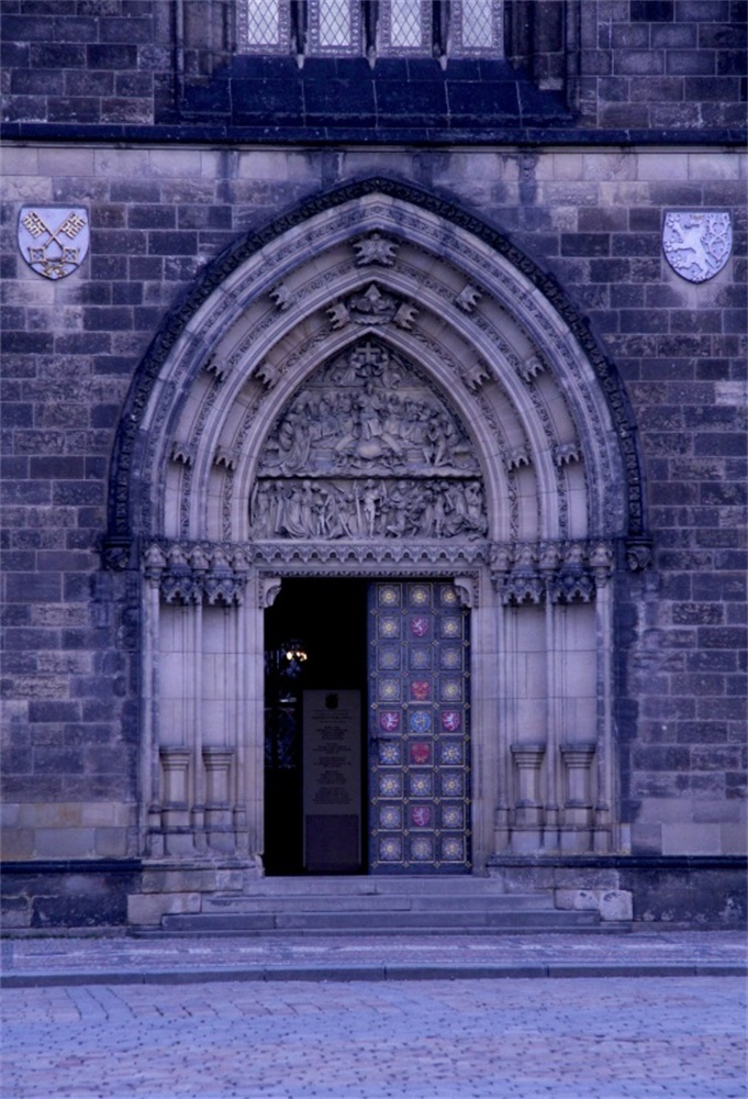 Laeacco Church Exterior Arch Door Photography Backgrounds Customized