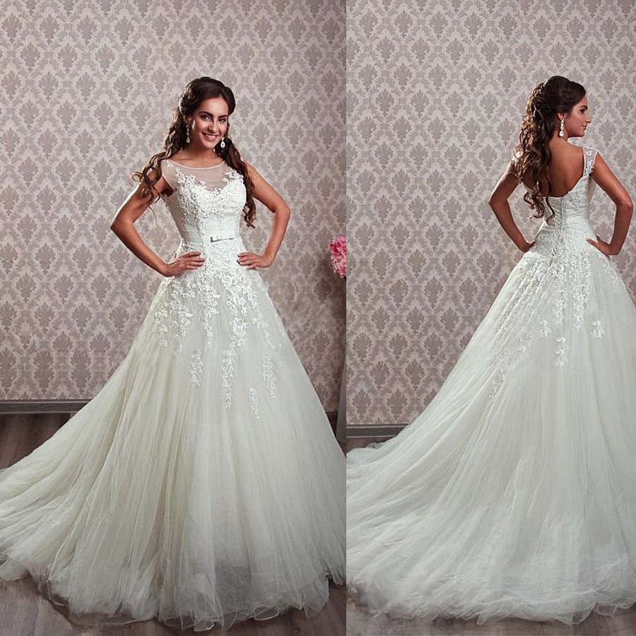 Elegant Tulle Bateau Neckline A line Wedding Dresses with Beaded Lace Appliques Bridal Dress vestido de