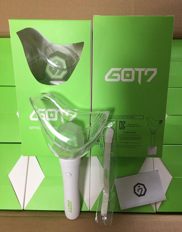 [MYKPOP] ~ 100% ORIGINAL officiel ~ GOT7 Ver. 2 bâtons lumineux KPOP Fans Collection SA19021701