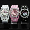 Новый Hello Kitty Часы Мода Дамы Quart Часы Старинные Детский Мультфильм Наручные Часы Аналоговые часы Король Девушка Марка женщин Кварца