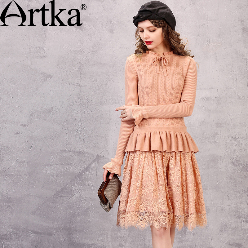 Artka Women's Autumn New Solid Color Lace Patchwork Knitted Dress Vintage Stnad Collar Petal Sleeve Dress With Ruffles LB10768Q readit patchwork dress 2017 autumn faux pearl beading transparent flare sleeve patchwork knitted dress ruffled bottom dress d251