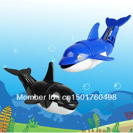 Free Shipping 2pcs Robot Dolphin Electric toy  for kids Swimming and bathe diving Fish toys