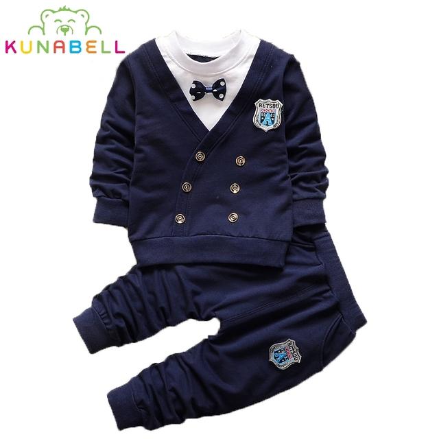 Moda Niños Del Bebé Del Niño del Resorte del Estilo Británico Ropa de Caballero Con Pajarita ropa del juego del deporte chándal L144