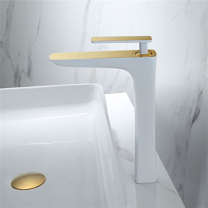 Bathroom Basin Faucets Brass Sink Mixer Tap Hot & Cold White/Golden Lavatory Faucet Single Handle Toilet Sink Water Crane TapBathroom Basin Faucets Brass Sink Mixer Tap Hot & Cold White/Golden Lavatory Faucet Single Handle Toilet Sink Water Crane Tap