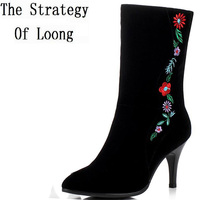 Women Winter Geauine Leather Thin Heels Half Boots Embroidery Flowers Traditional National Style Lady Retro Boots