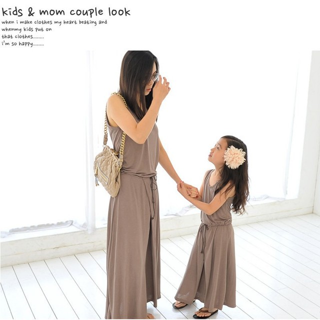 2016 New Summer Spring Mom Daughter Dress Matching Mother and Daughter Family Clothes Girls and Mom Dress Sleeveless Beach Dress