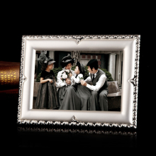 Europe Creative Metal photo frame Multiple sizes table top love picture Frame ornament wedding Home decoration