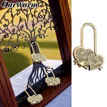 OurWarm-Llavero con letra rusa para aniversario de boda, cerraduras de doble corazón enamorados para recuerdos de boda, decoraciones rústicas para ti + Me = familia