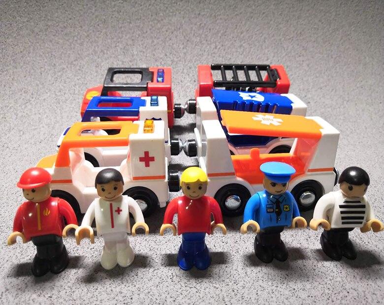 Kinder Elektrische Pfeife Licht Zug Spielzeug Mit Magnetische Spiel Holz Schienen Elektrischen Krankenwagen Feuer Motor Polizei Wagon Spielzeug