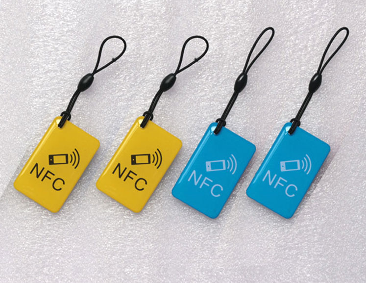 где купить  Waterproof NFC Tags/lable Ntag213 13.56mhz NFC 144bytes Crystal Drip Gum Card  for All NFC enabled phone ,min:5pcs  дешево