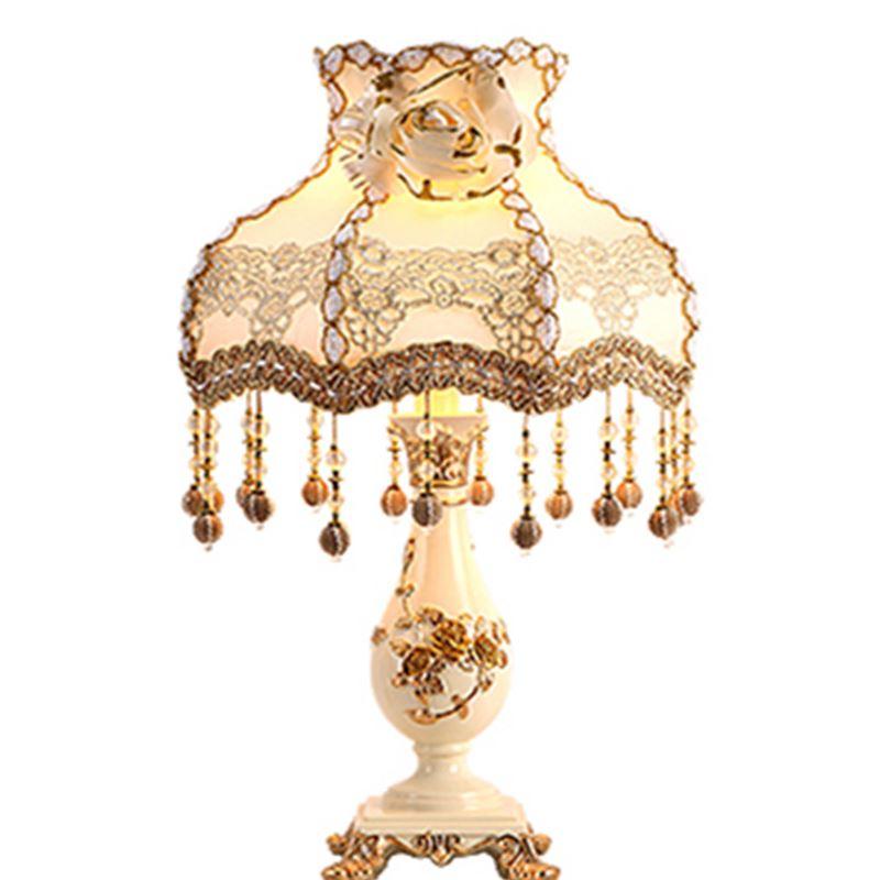 Европейский стиль лампа спальня ночники творческий красный Настольные лампы комнате теплый свет минималистский современные роскошные сва...