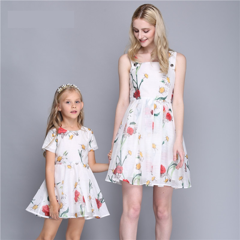 Summer children clothes princess flower print kids beach dress infant formal birthday party girl white dress family match outfit summer kids clothes children holiday bohemian hydrangea flower print ruffle big hem full dress infant girl evening party dresses