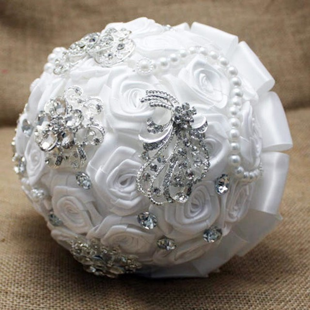 New Arrival Elegant Customized Bridal YIYI Bouquet With Pearl Beaded Brooch Romantic Wedding Colorful Bride 's Bouquet WD004