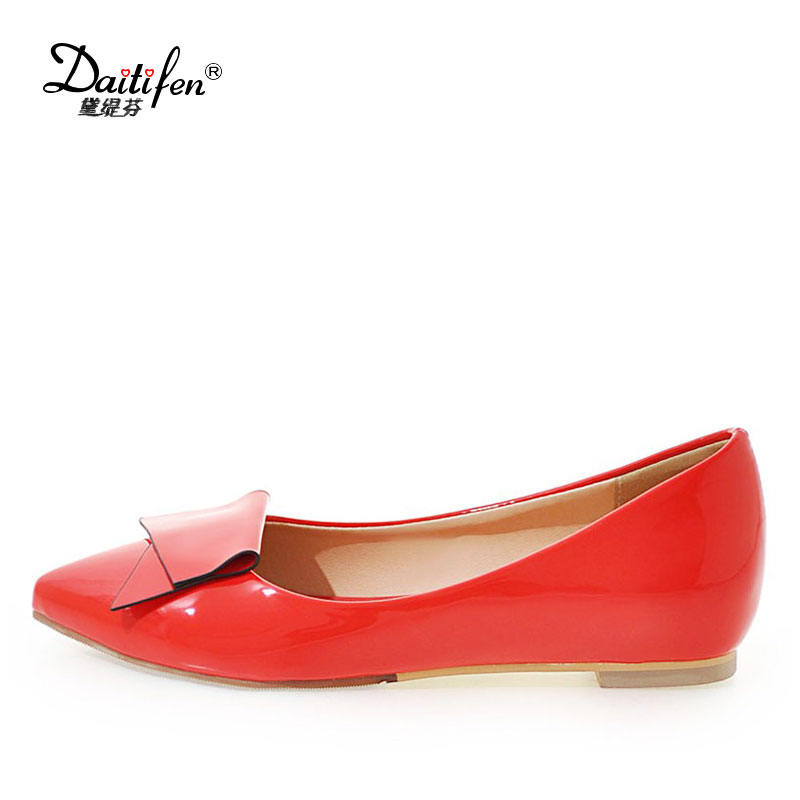 Daitifen Latest design Big size Beautiful ladies shoes Slip-on Pointed toe comfort women dress Boat Flats with Butterfly-knot daitifen 2018 spring elegant mental buckle pointed toe ladies flat shoe fancy flock shoes women flats casual slip on women flats