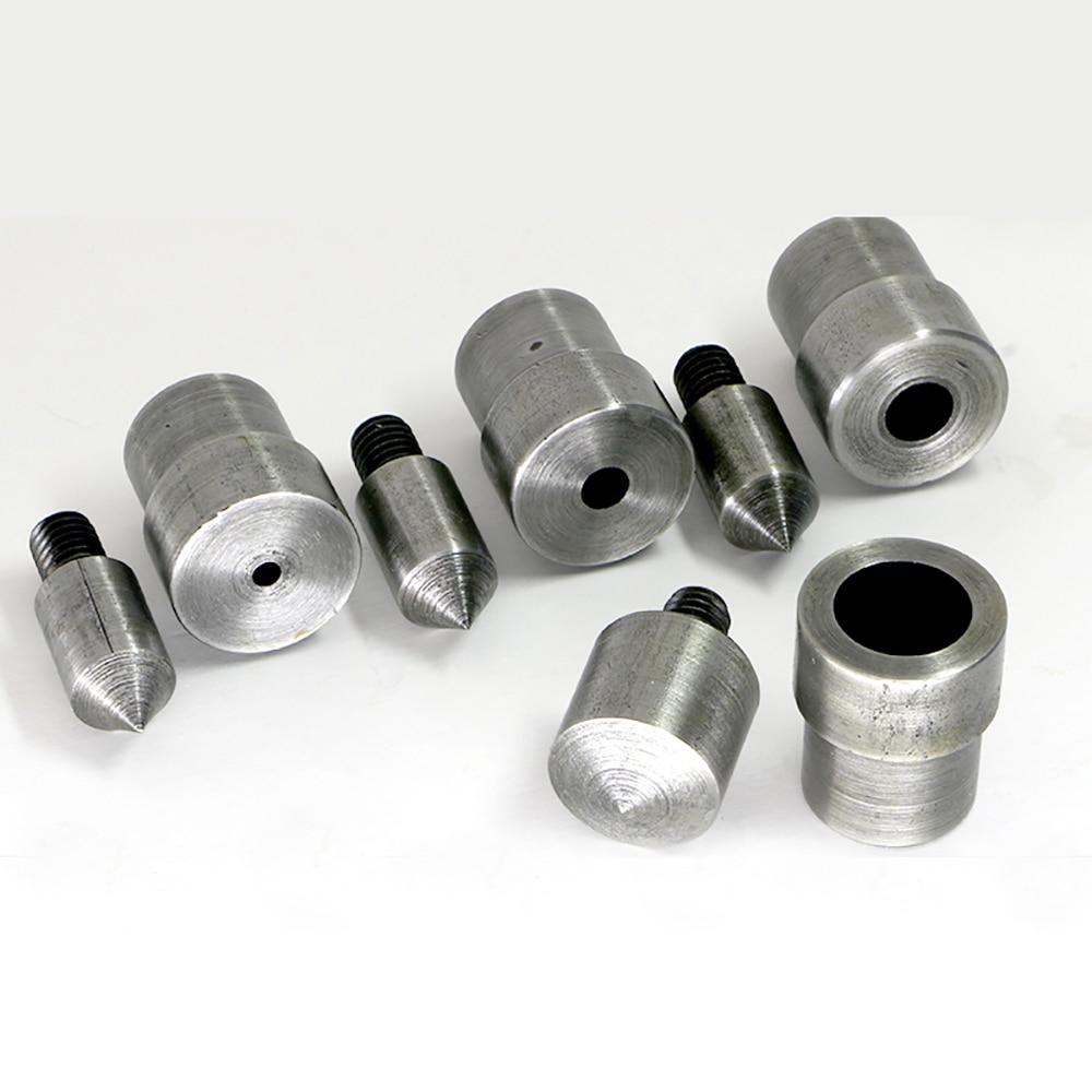 Blaasgat 2 mm - 18 mm gesp. Ponsen schimmel. Drukmachine speciaal vorm. Gereedschap openen. Boren likdoorns knop