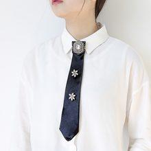 fd57177a MANILAI 4 Colori di Lusso Grande Cristallo Camicia del Legame di Arco  Spille Spille Lungo di Modo Del Collare Dei Monili di Ceri.