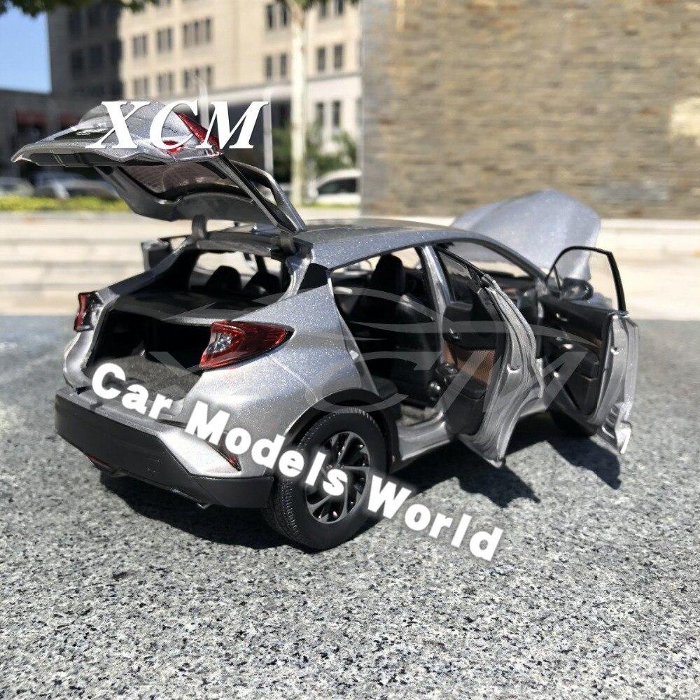 قوالب طراز السيارة ل IZOA Izoa 1:18 (الفضة) + هدية صغيرة!!!!!!-في سيارات لعبة ومجسمات معدنية من الألعاب والهوايات على  مجموعة 3