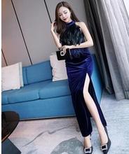 2018 herbst Winter Neue Promi Split Party Abendessen Lange Kleid Straußen  Feder Schwarz Blau Rot Samt Weibliche Kleid 115d06d3ad