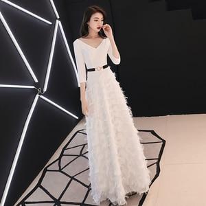 Image 2 - Weiyin לבן ארוך שרוולים ללא משענת אונליין V צוואר רוכסן תחרה שמלות מפלגה אורך רצפת שמלות ערב שמלות WY1337