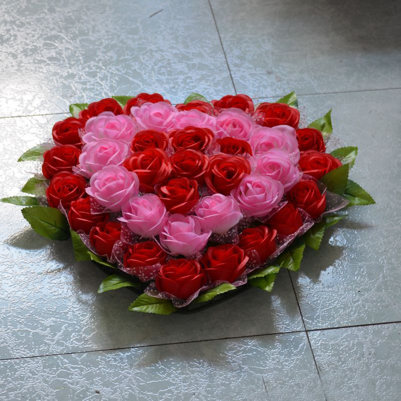 Rose Artificial Flowers For Wedding Decoration Heart Model Wreath