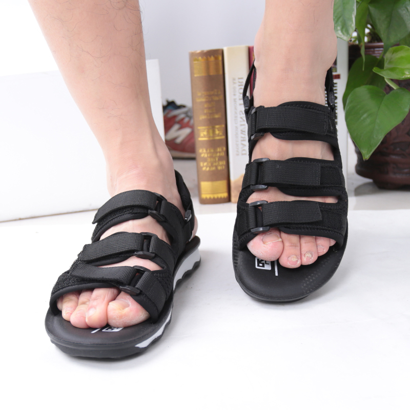 SHUANGFENG Sandals Men Summer 2018 Hot Sale New Beach Sandals Casual Men Shoes Outdoor Sandals Plus Size 38-44 sapato masculino
