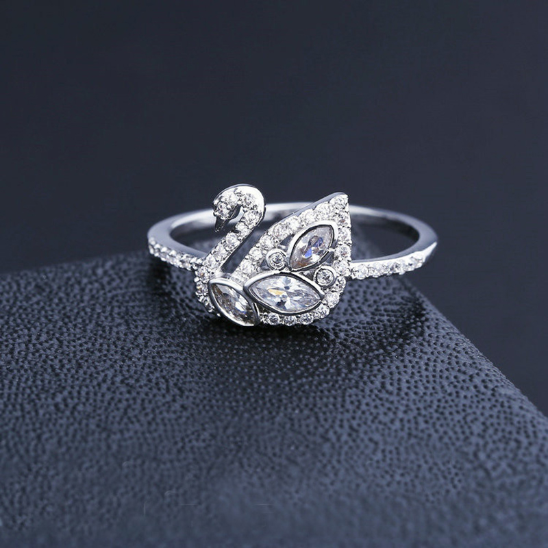 geekoplanet.com - Luxury Full Zircon Swan Silver Color Ring