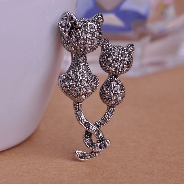 Kawaii Double Cats Corsage Vintage Brooch Pins Scarf Clip Brooches For Women Antique Silver Plated Jewelry Christmas Accessories