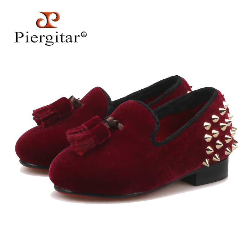 Piergitar 2018 new Parent-child style handmade childrens loafers with tassel and spikes designs burgundy velvet kid party shoesPiergitar 2018 new Parent-child style handmade childrens loafers with tassel and spikes designs burgundy velvet kid party shoes