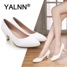 YALNN 2019 Big New Fashion High Heels Classic OL Office Lady Shoes Pointed Toe Thin Heel Dress Basic Pumps Plus Size