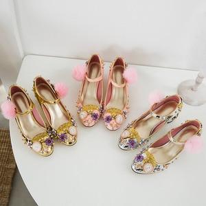 Image 4 - Phoentin tribunal estilo mary jane sapatos rebite bombas de cristal com pele relógio decoração 2020 ouro salto alto botão fechamento FT333 1