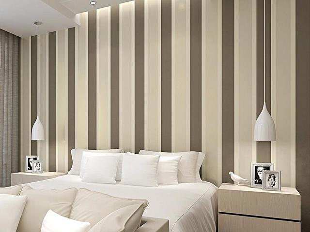 Non tessuto strisce verticale wallpaper moderno e for Carta da parati a righe camera da letto