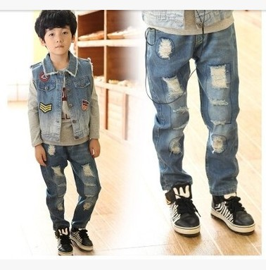 Nuevos 2015 niños pantalones vaqueros rasgados pant ropa nueva cabritos de la llegada moda pantalones ropa envío gratis