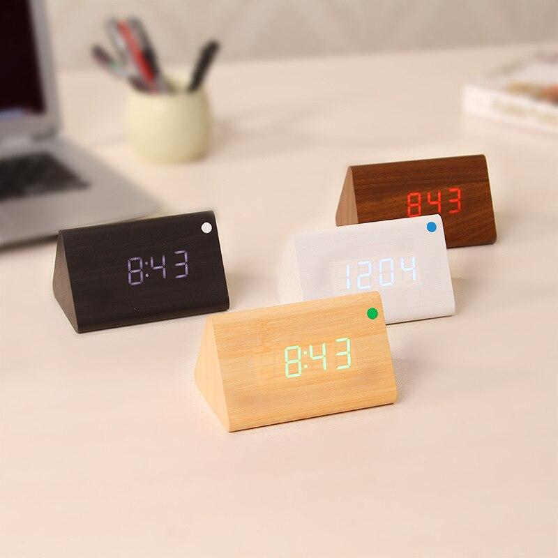 Led Voix Électronique Horloge Alarme Muet Triangle En Bois Creative LED Numérique Horloge Température USB Ou Batterie Alimentation