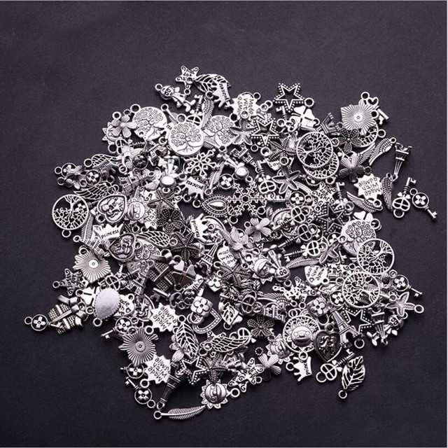 30pcs Tibetan Silver Mixed Styles Leaf Heart Key Crown Charms Pendants DIY Jewelry for Necklace Bracelet Making Accessaries