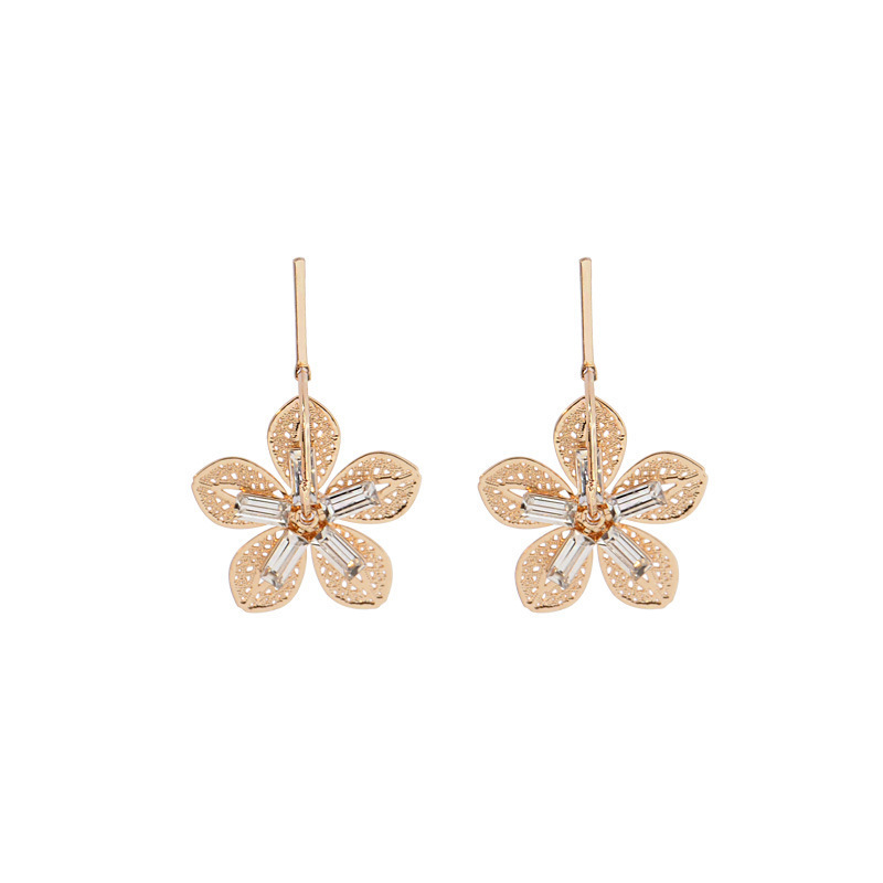 2019 Women Fashion Jewelry Hollow Out Leaf Flower Earrings Long Beach Drop Earrings(China)