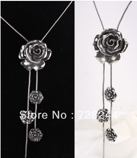 Minimum order is 15 $, mix order, Retro fashion five roses fringe sweater chain, necklace
