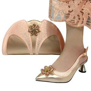 Image 5 - Zapatos italianos de moda de color púrpura con bolso de mano a juego, gran boda africana con Sandalias de tacón alto y conjunto de bolsos