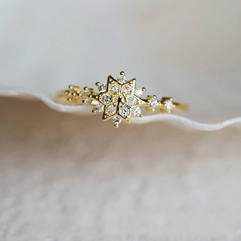 Top Rhinestone Diamonds Rings For Women Chic Cute Snowflake Girl Internet Sensation Ring Delicate Wedding Flower Jewelry