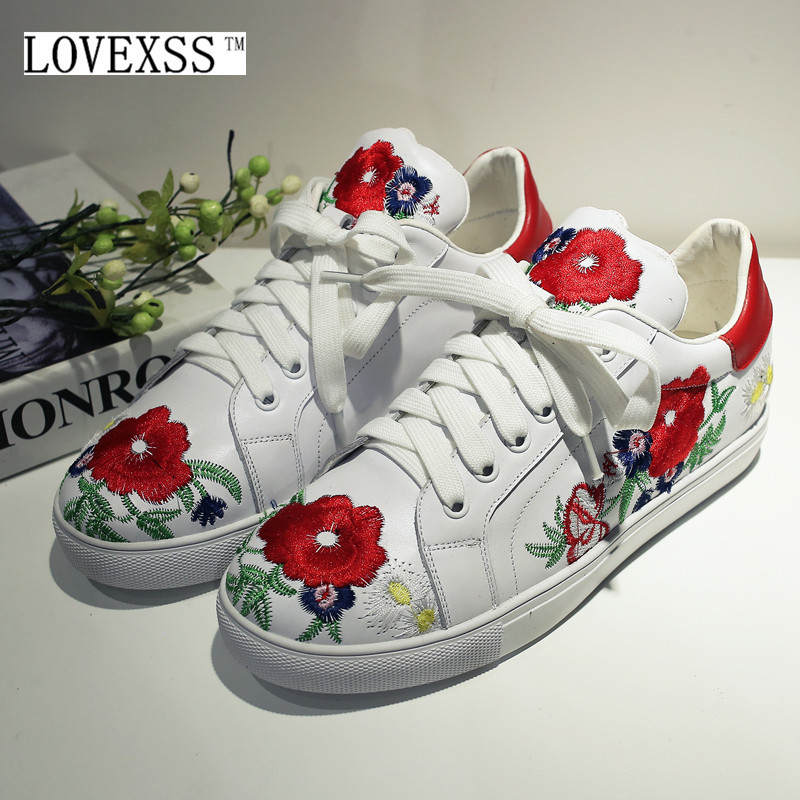 ФОТО LOVEXSS Embroider Flats 2017 Autumn Fashion Casual Flower Woman Dress Shoes White Lace-Up Genuine Leather Embroider Flats