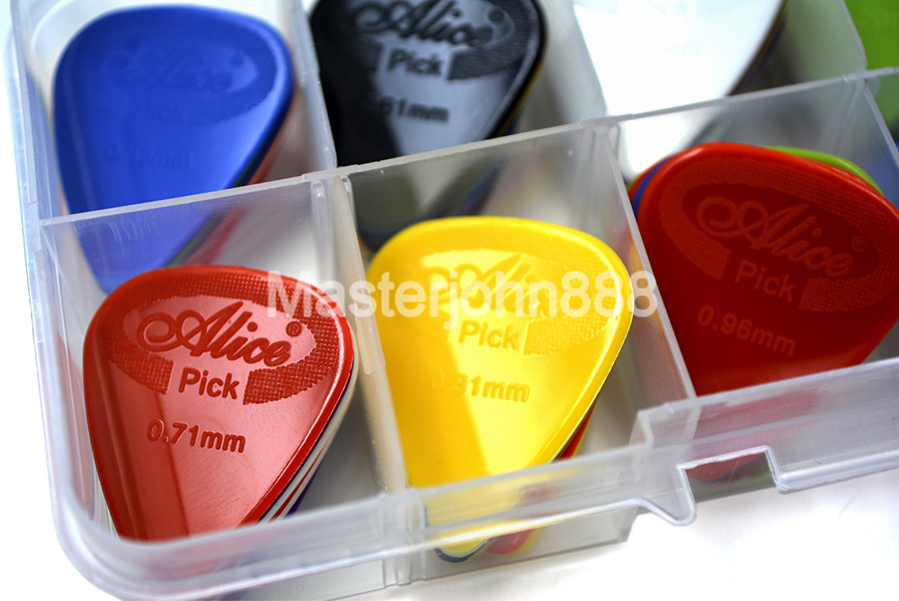 Lots of 30pcs Alice Projecting Nylon Electric/Acoustic Guitar Picks 6 Thickness Assorted With Picks Box Case