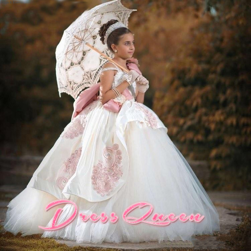 2017 Flower Girl Dresses with Appliques Sexy Vintage Ball Gown Crystal Bow Satin Pageant Gown First Communion Dresses Vestidos 2017 flower girl dresses elegant pageant dresses with sash ball gown first communion dresses for girl kids dress