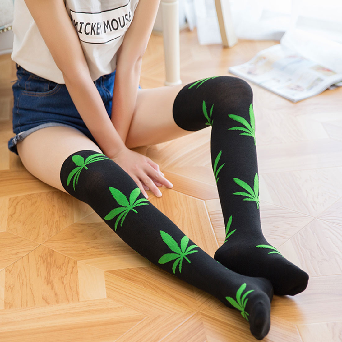 Fashion <font><b>Kawaii</b></font> <font><b>Knee</b></font> High <font><b>Socks</b></font> For Ladies Meias New Maple Leaf Women's Stockings Sexy Harajuku Thigh High <font><b>Socks</b></font> Long <font><b>Knee</b></font> <font><b>Socks</b></font> image
