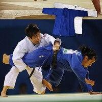 Precio 2016 Nuevo dobok Jiu Jitsu gi Judo de algodón azul y blanco uniforme estándar de Taekwondo artes marciales uniforme de entrenamiento traje de competición