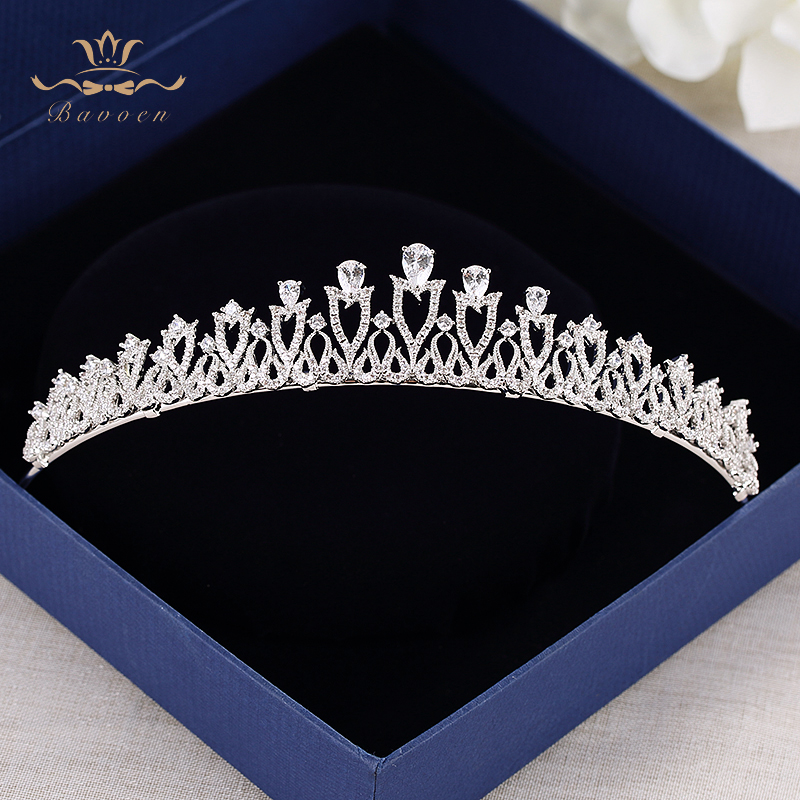 все цены на Bavoen Fashion Brides European Silver Tiara Hairbands Evening Zircon Crystal Hair Accessories Wedding Hair Jewelry High Quality онлайн